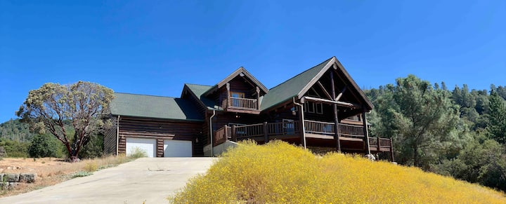 Sahari Lodge, Luxury Estate on 62 ac near Yosemite