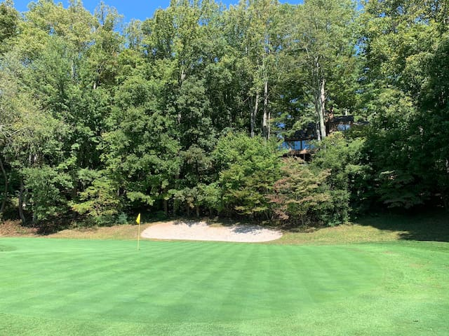 Acorn House w/ Mountain&Golf Course View