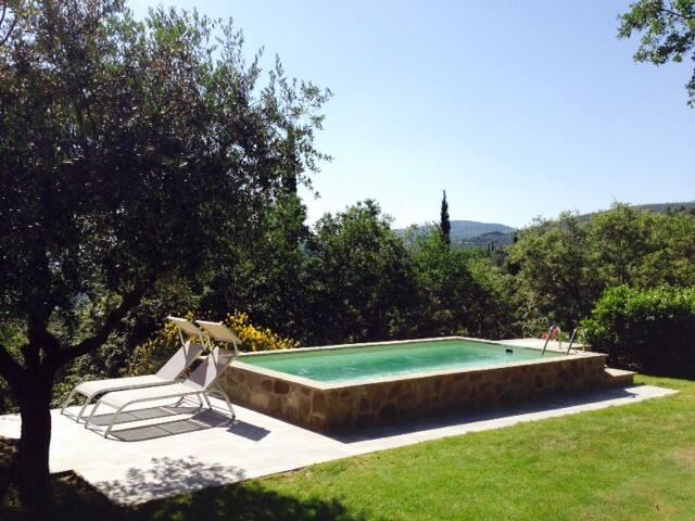 Pool & Lake View on a Private Villa - Passignano sul Trasimeno - บ้าน