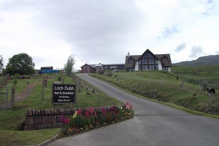 Stunning ensuite double Lochcarron - Lochcarron - Dům