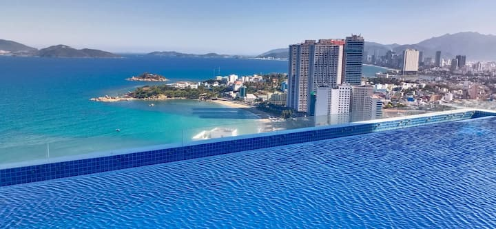 Scenia Bay Apartment Nha Trang - 1 step to the sea
