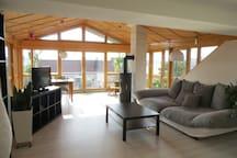 Modernes Appartement mit Wintergarten & Balkon