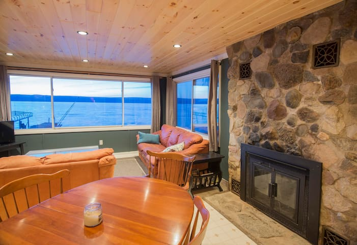 Waterfront Vacation Rental on Seneca Lake - Penn Yan - House