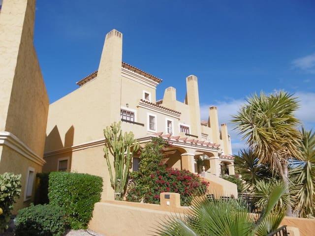 House Las Colinas Vera, vista al mar, las montañas