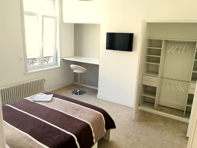 Jolie chambre dans maison en coloc - Dunkerque - House