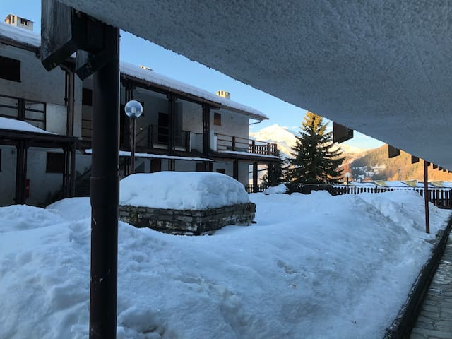 Apartment close to the slops