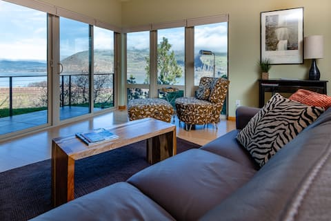 Condo with Columbia Gorge Views