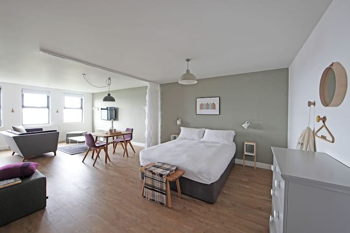 1 Bed Luxury Studio Apartment - Burghead