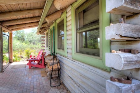 Purple Sage - Secluded Cabin on Wilderness Ranch