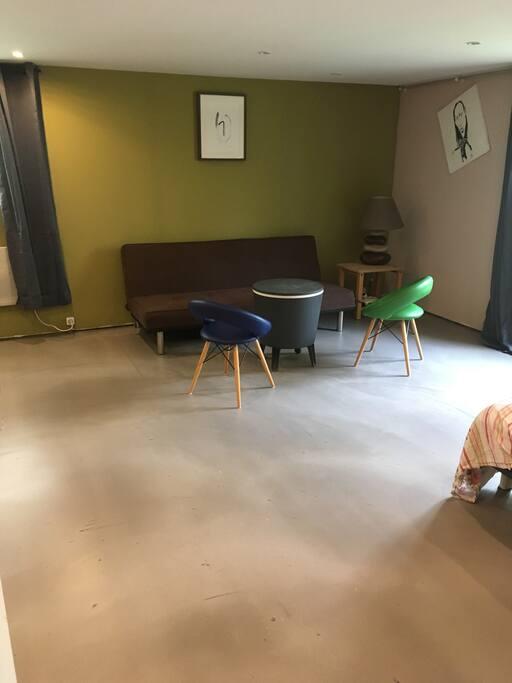Grande chambre de 27 m2 maisons louer qua dypre for Chambre 9 m2 minimum
