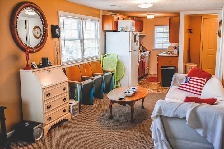 Sweet Spot Cottage! Short Drive to Downtown!