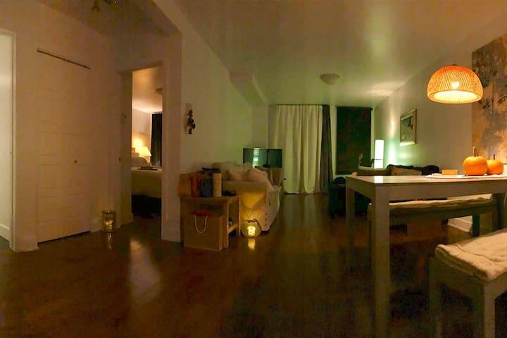 Room next to Metro Joliette