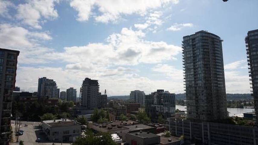 Den 2 min walk to New West Skytrain Station