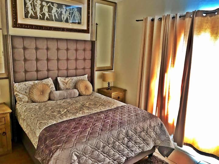 Modern & Spacious One Bedroom Cottage in Sandton
