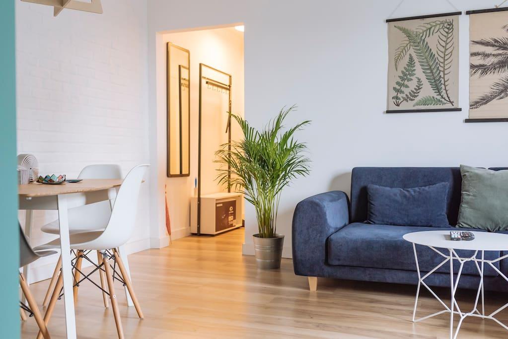 Living room (1/6)