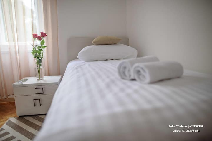Apartment/Room ''Dalmacija'' SINJ ****