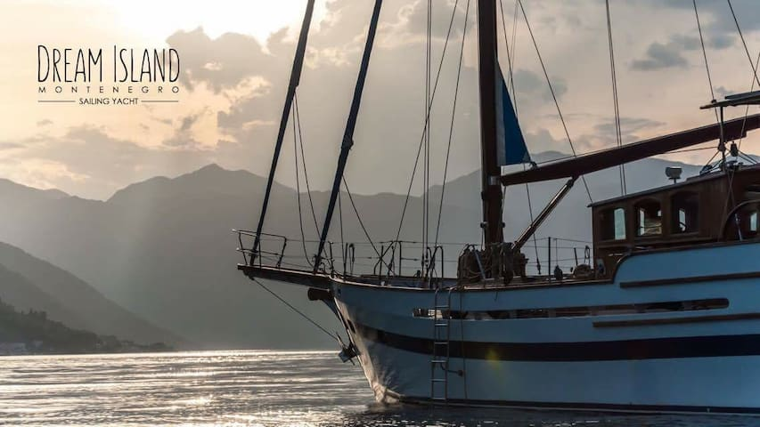 Accomodation on a yacht in the heart of Montenegro - Kotor - Barco