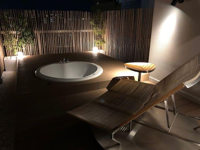 Free Bar Lounge Included! La Viola Room#501