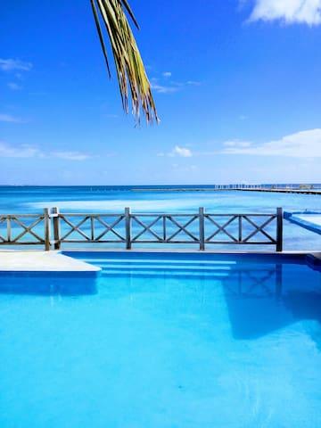 Beach Apt. Seaview Aircon Pool Kayak Grill (4)