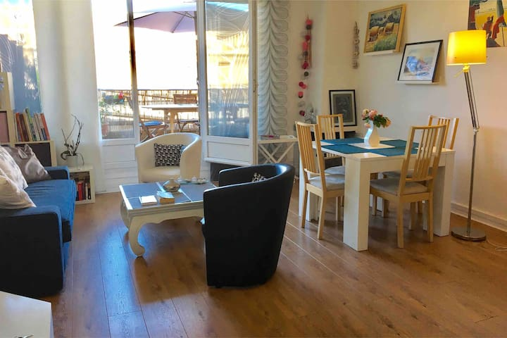 APT 55 M2-4 pers- CENT.VILLE N.DAME TERRASSE 20 M2