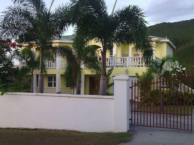 Jones Estate Buena Vida Upstairs