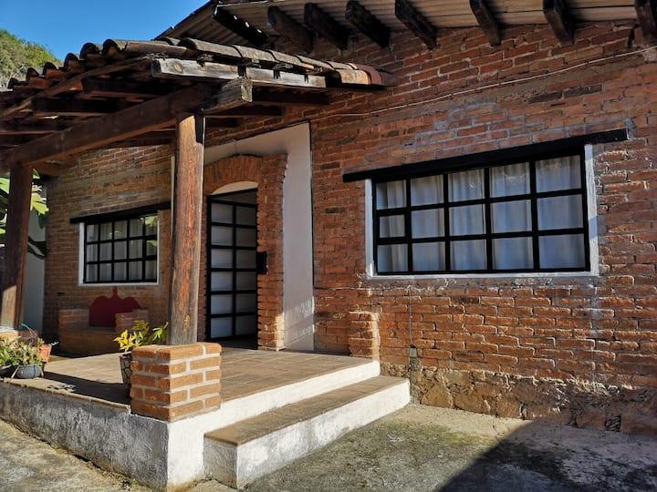 Preciosa casa rústica en Valle de Bravo