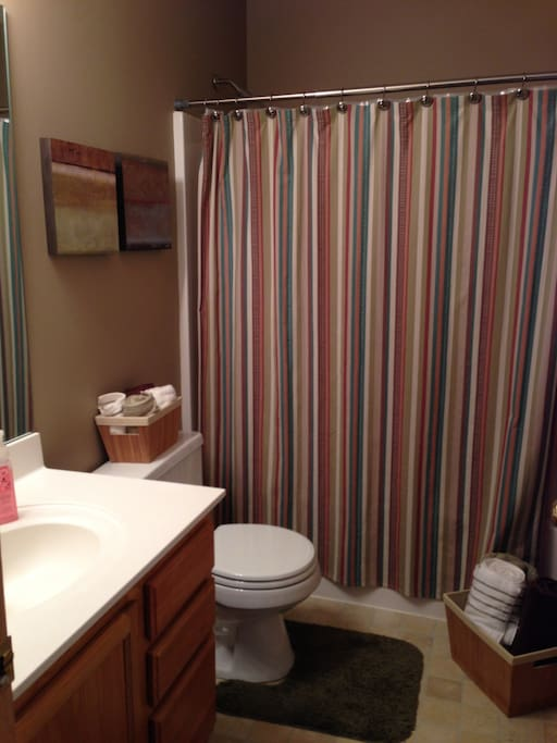 Full bathroom. Also a full in the basement. 1/2 on main floor.