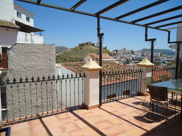 Lovely house and terrace with views - Álora - Talo