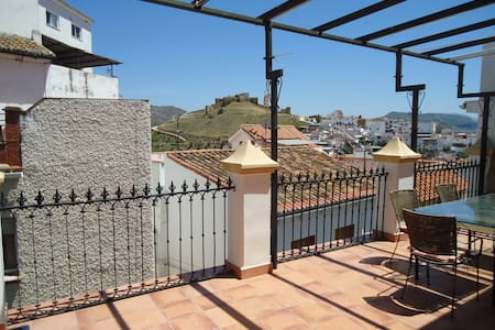 Lovely house and terrace with views - Álora