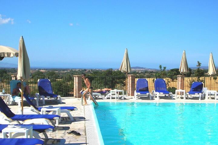 Tuscany, Maremma, 3 pools and sea, fresh hills