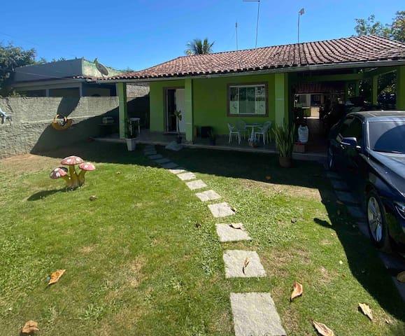 Casa em Jaconé a menos de 200 metros do mar