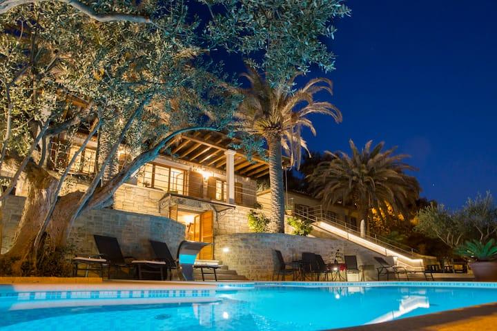 Villa Tomislav Split - Luxury 5* Villa