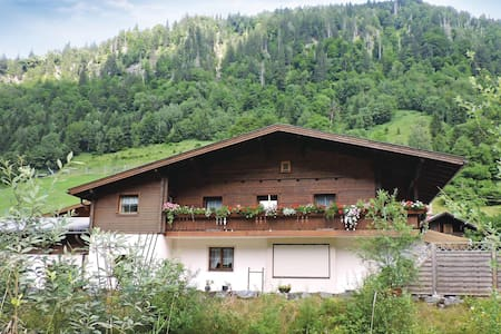 Holiday apartment with 3 bedrooms on 85m² in Fusch a.d. Glocknerstr.