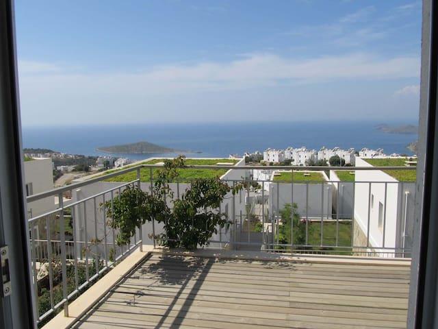 Muhteşem manzaralı 1+1 balkonlu daire - Bodrum - Apartment