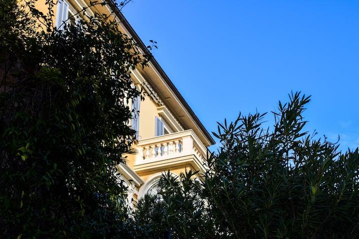 Villa Chiays, vista mare e doppio box privato