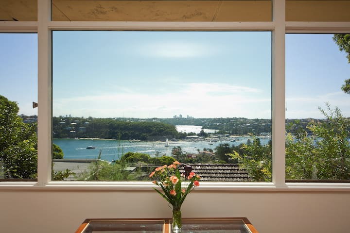 Beach House + Water View + Manly - Clontarf - House