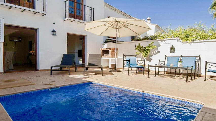 Stylish 2BR Modern House next to Puerto Banus by Rafleys, Private Pool, Wifi