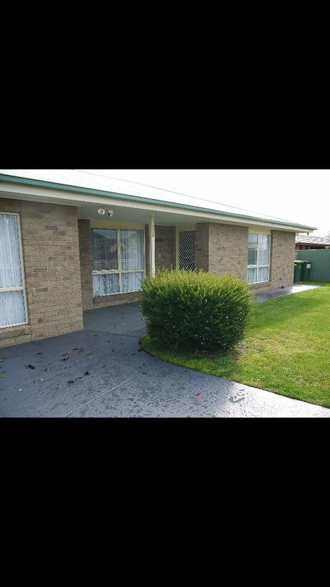 Troy's Cottage Colac