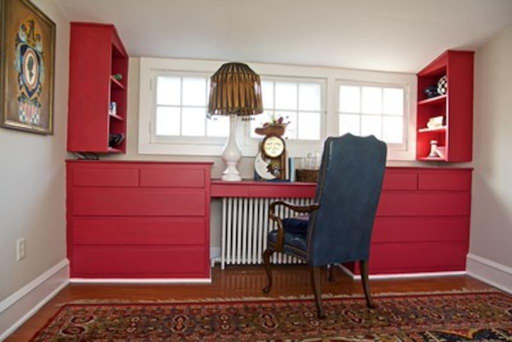 Original built in desk/shelf/drawer unit.