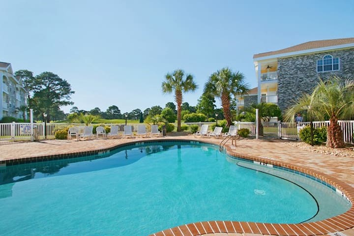 Myrtlewood Condo 1 mile to beach - feel at home