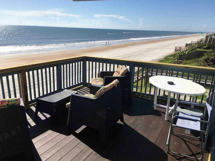 PEARL ON THE BEACH ~ Breakfast ~ Sleeps 5