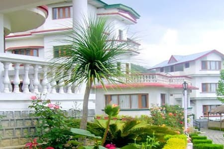 The Manor House - Palampur