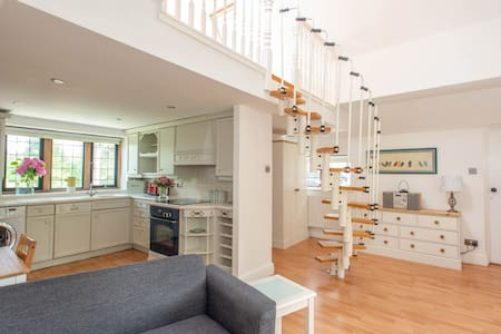 Beckenham Loft Apartment - SELF-CONTAINED&PRIVATE
