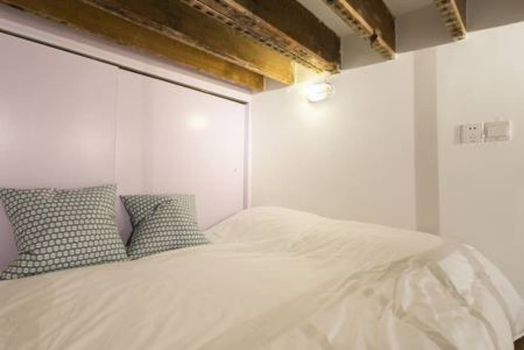 Loft卧室宜家床垫柔软舒适
