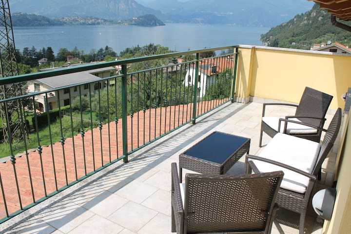 Balcony Lake View 2 *SHORT STAY*