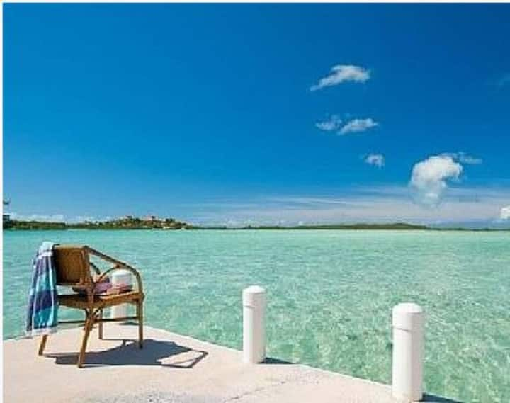 Turks & Caicos Oceanfront Villa w/Pool and Dock