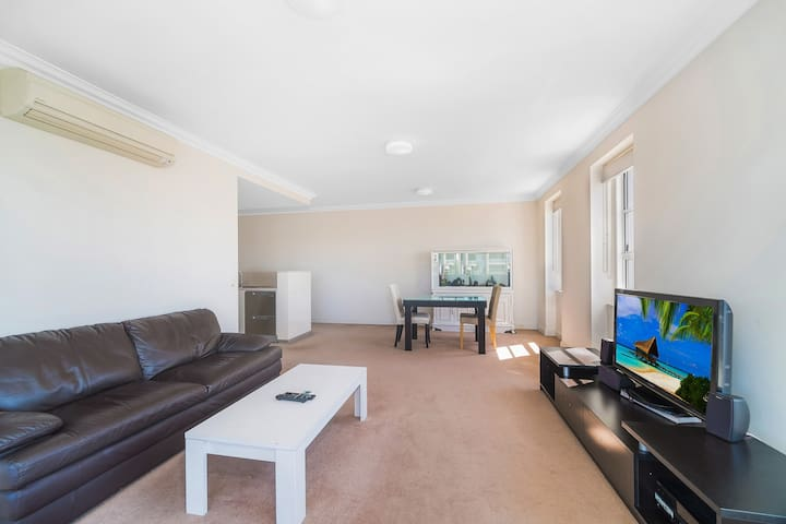 Fully furnished  3 Bedroom In Inner west