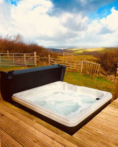 Our brand new private Jacuzzi hot tub just off the decking