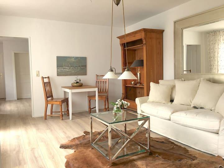 Strandnahe Exclusive  Zweizimmerwohnung EG mGarten