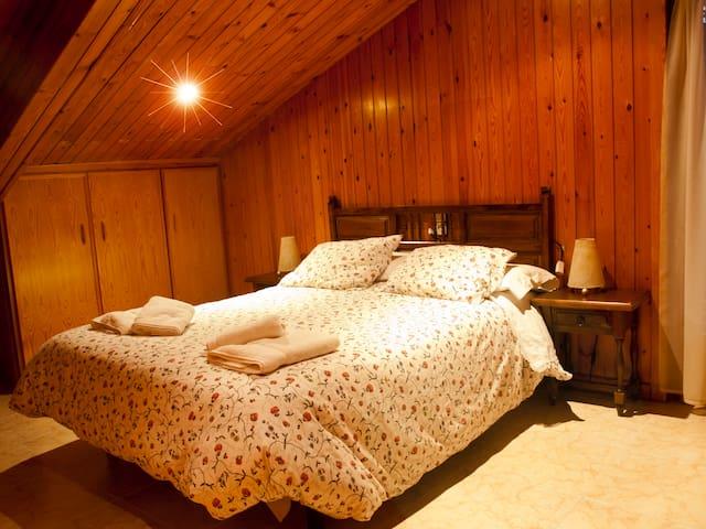 Habitació Doble amb bany compartit - Vilaller - Casa